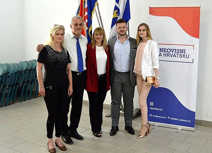 Ekipu Neovisnih za Hrvatsku u Slavonskom Brodu vodi Krešimir Štetić, osnivaju se ogranci po mjesnim odborima