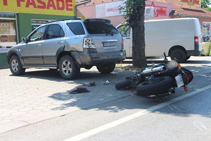 U Osječkoj ulici, u prometnoj nesreći teško je ozlijeđen 26- godišnji vozač motora