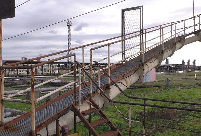 Uzbuna zbog toksičnog otpada iz bosanske rafinerije, opasni gudron ugrozit će okoliš u Slavonskom Brodu