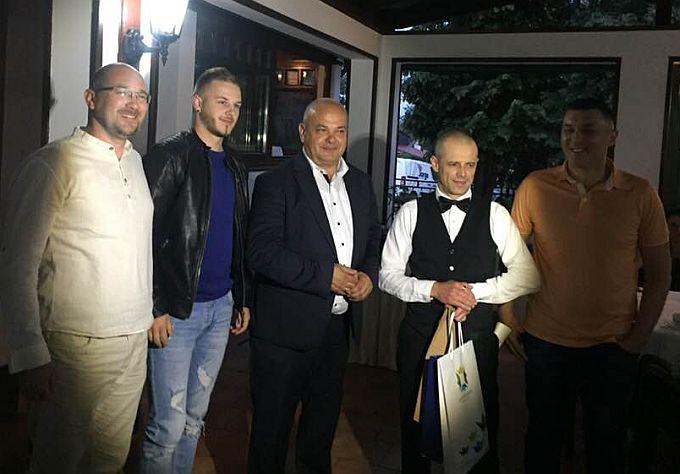 """Najbolji kafić u gradu je """"Lutvinka"""",  Uno i Zrinski najbolji su restorani, dok je za najboljeg konobara izabran Saša Mikec iz Grozda"""