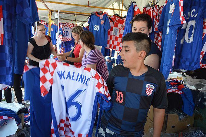 Danas više nije bilo bitno ime na dresu, bitno je imati obilježje reprezentacije,  a išlo se i u Bosnu po njih