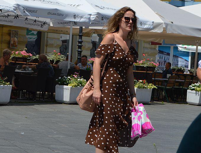 Točkasta ljetna haljinica ove je sezone apsolutni hit