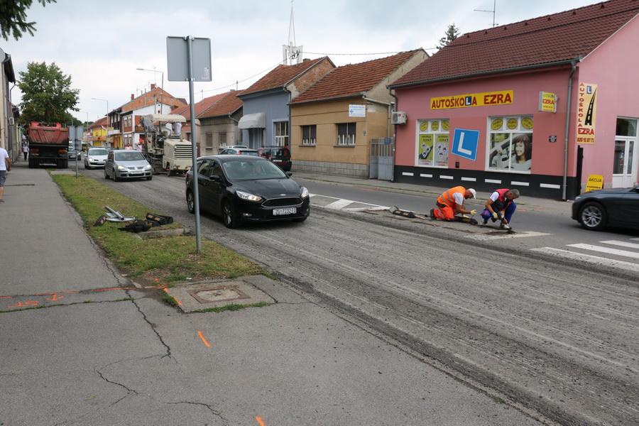Započela izgradnja kružnog toka na križanju Kumičićeve i Budakove ulice