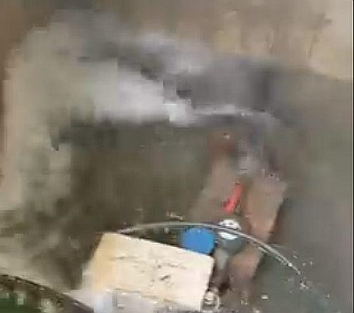 Od subote do danas iscurili su kubici vode u Zagrebačkoj ulici, dva dana nitko nije došao zavrnuti ventil
