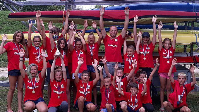 Olimpik je u Petrinji predstavljalo 19 natjecatelja od čega je čak njih 11 zabilježilo svoj prvi službeni nastup za klub.