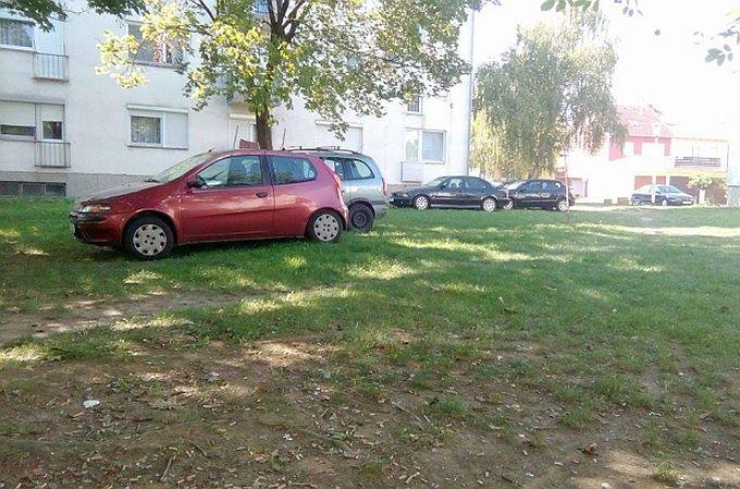 Komunalni redari u pola godine izdali su 115 kazni, najviše njih za parkiranje na javnoj zelenoj površini