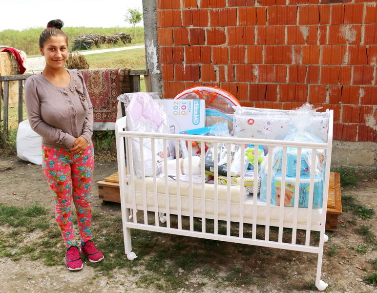 Pokloni za bebe stižu, mladi roditelji mjesec dana prije termina poroda izjasnite se koji oblik pomoći za opremu za dijete želite iskoristiti