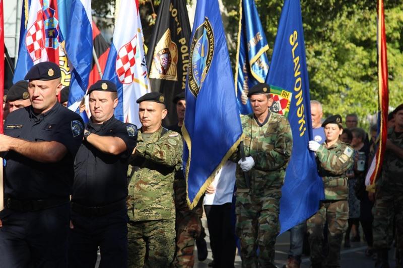U spomen na povijesni datum oslobođenja brodske vojarne slavimo Dan hrvatskih branitelja Brodsko- posavke županije
