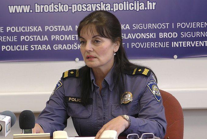 Navodi da je djevojčici Ivoni, policajka OPALILA ŠAMAR, su netočni i neistiniti, poručuju iz PU brodsko- posavske