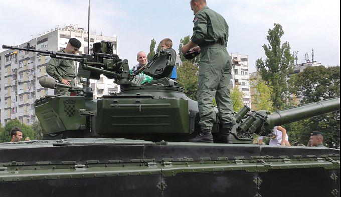 Danas izloženi vojni hrvatski program u Slavonskom Brodu najviše oduševio najmlađe Brođane