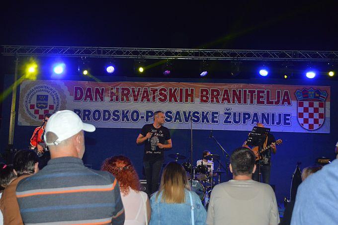 Branitelji Brođanima za svoj  dan poklonili koncert Giuliana