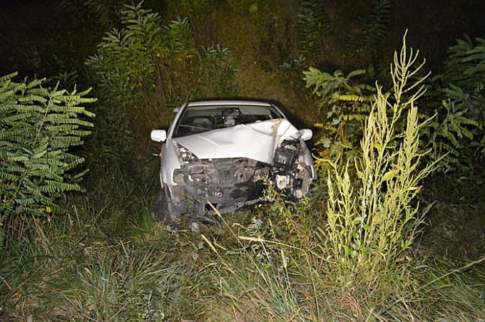 Alkoholizirani vozač izgubio kontrolu nad vozilom, udario u ogradu mosta  i sletio u Mrsunju