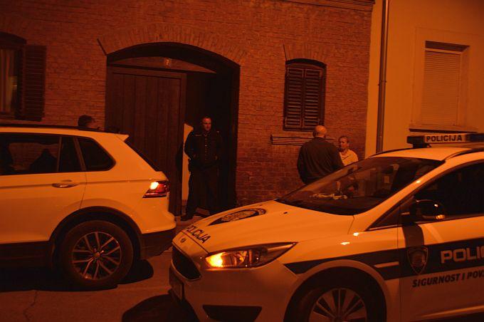 Nepoznati počinitelj večeras je u centru grada nanio teške tjelesne ozlijede dvjema ženama, policija je na terenu