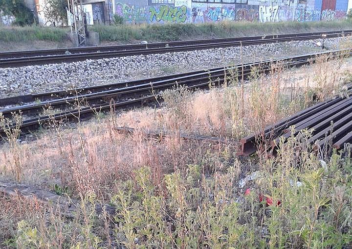 Putnički vlak koji prometuje na relaciji Slavonski Brod-Zagreb,  naletio je na muškarca koja je na mjestu događaja smrtno stradao