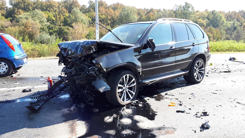 U sudaru dva osobna automobila poginule dvije osobe