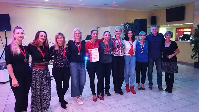 Brodski rekreativci, muška i ženska ekipa na turniru u Osijeku