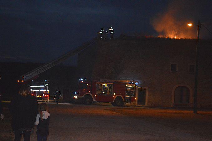 Požar je planuo u Tvrđavi iznad Galerije umjetnina