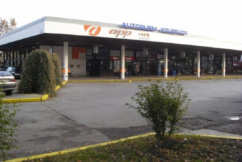 Na autobusnom kolodvoru u Slavonskom Brodu izboden 19-godišnjak