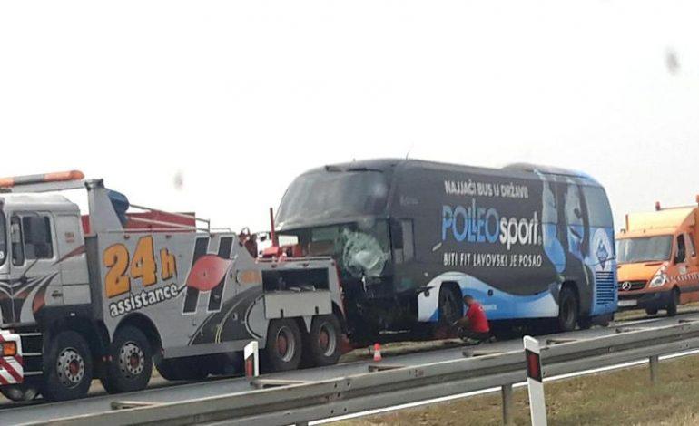 Na autocesti A3 u smjeru Slavonskog Broda sletio je autobus osječkih registracija