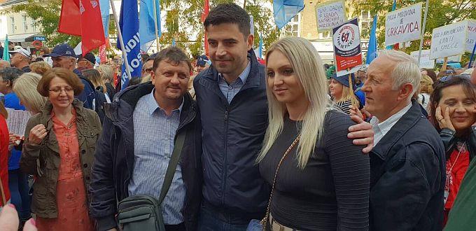 Na skupu u Zagrebu okupljeni prosvjednici iz cijele zemlje, uz Bernardića danas i predsjednica županijskog SDP-a Marina Opačak Bilić