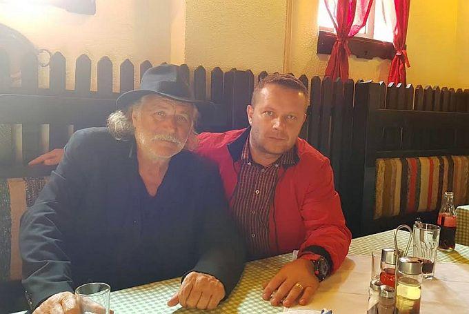 Rade Šerbedžija u Slavonski Brod došao privatno, ali najavljuje uskoro i dolazak na kazališne daske