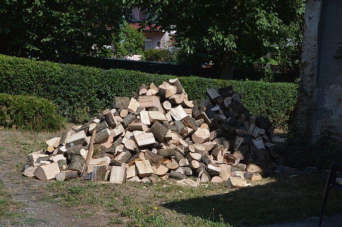 Vlasnici ili suvlasnici kuća do kraja godine mogu tražiti sredstva za nabavu i ugradnju kotlova na biomasu i dizalica topline