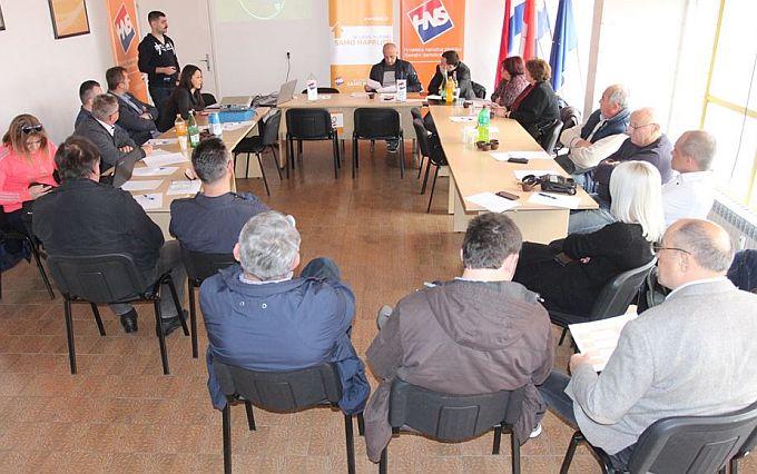 """Predsjednik HNS-a Ivan Vrdoljak u Slavonskom Brodu poručio: """"HNS-ov smjer je ni  lijevo ni desno, nego samo naprijed"""""""