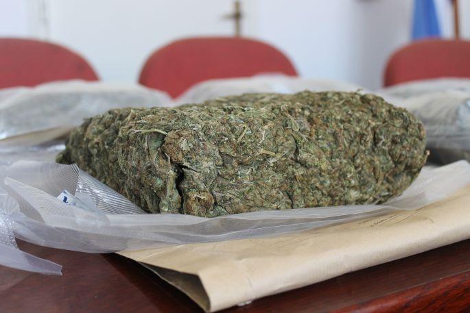 U nadzoru prometa u Vranovcima policija kod 22-godišnjaka pronašla marihuanu