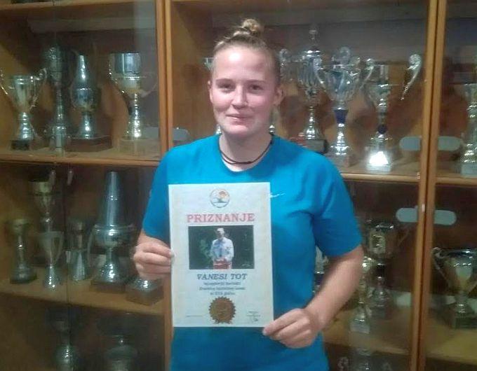 Vanesi Tot priznanje Hrvatskoga kajakaškog saveza, najuspješnija je sportašica u kajak-kanu sportu u 2018. godini