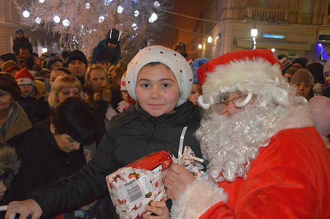 Vlada nestašica radne snage, traži se Djed Božićnjak