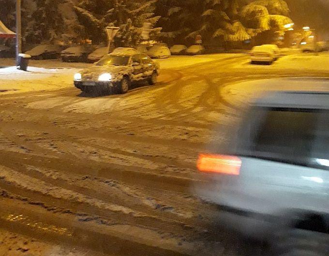 Samo podsjećamo, za nepoštivanje zimskih uvjeta na cestama kazne dosežu vrtoglavih 5000 eura