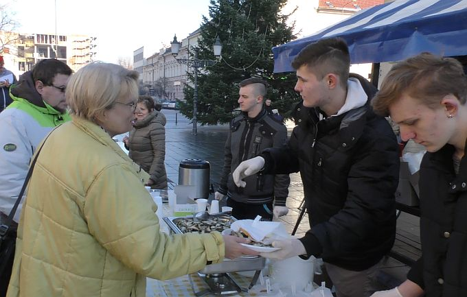 I ove godine, na Badnjak, pozvani ste na blagdanski doručak, girice, kuhano vino i medenu rakiju