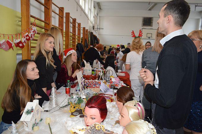 Učenici Obrtničke škole svoj znanje i vještine pretočili u plemenitu svrhu na 1. Božićnom sajmu