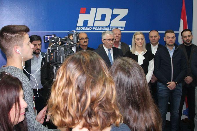 Pero Ćosić na izmaku godine pozvao na manje negativizma kojeg šire političari i mediji: Treba dati prostora pozitivnim vrijednostima