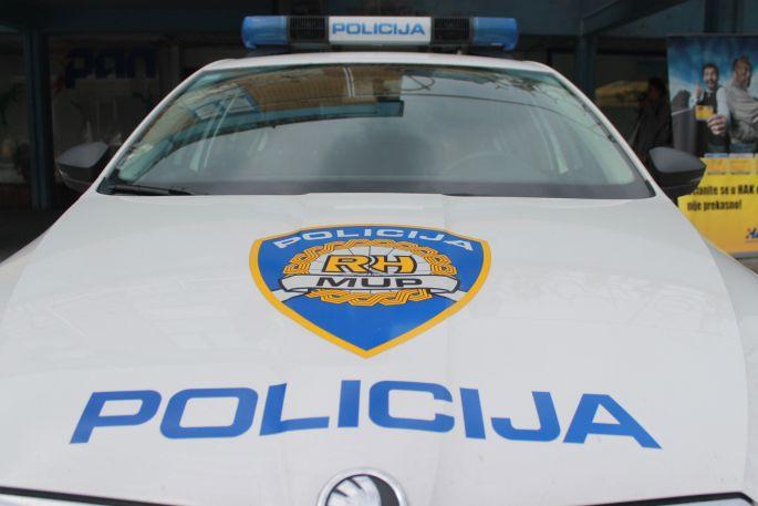 Policajci ulovili nesavjesnog vozača Porschea kod Brodskog Stupnika