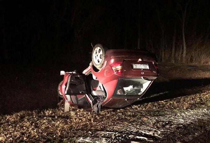 Automobil na krovu, prometna nesreća dogodila se na cesti između Jaruga i Novog Grada