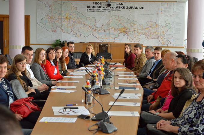 Redoviti studenti s područja Brodsko-posavske županije iskoristite priliku i prijavite se za stipendije