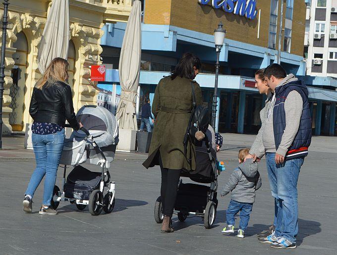 """U Hrvatskoj je 112. 830 obitelji s troje ili više djece, """"Dječji doplatak treba biti ulaganje u budućnost"""""""