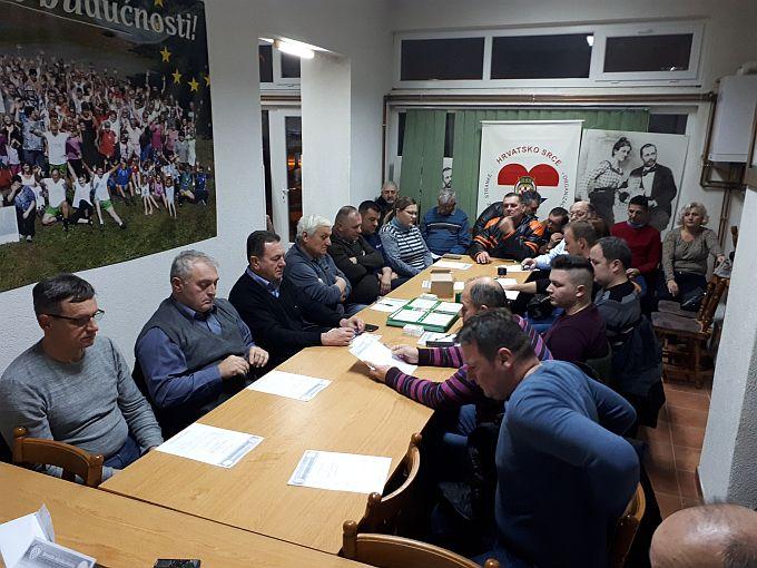 HSS Brodsko- posavske županije daje apsolutnu potporu politici koju vodi predsjednik stranke Krešimir Beljak