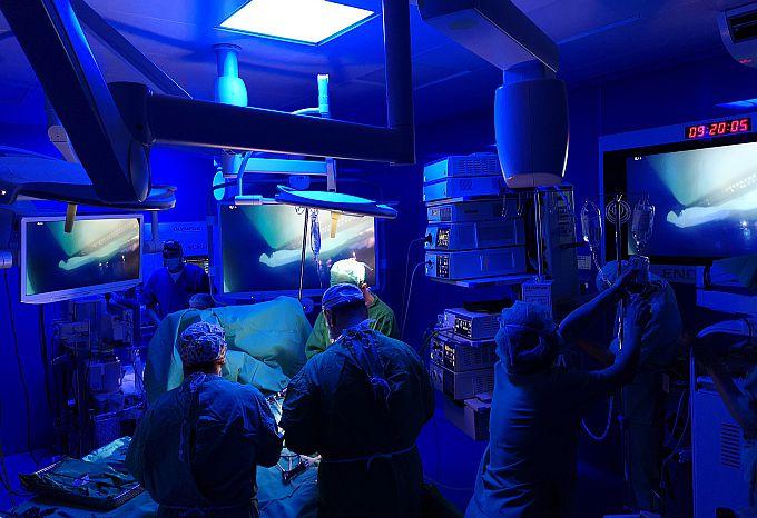 Od jučer se na kirurgiji Opće bolnice dr.Josip Benčević rade operacije u, svjetskim razmjerima, najmodernije opremljenoj operacijskoj sali