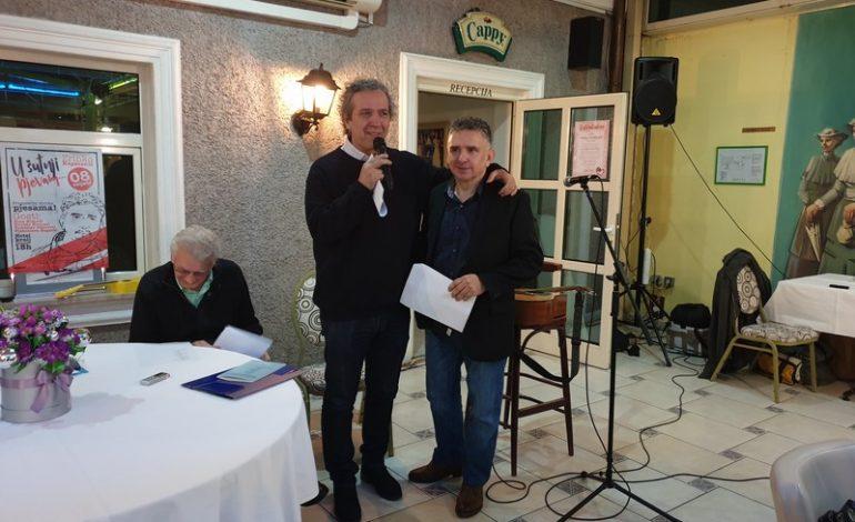 """Zrinko Kapetanić predstavio zbirku pjesama """"U šutnji pjevam"""""""