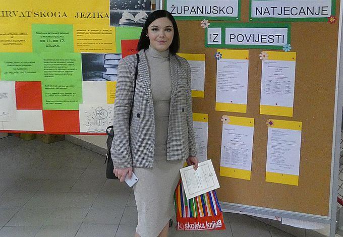 Tema Ane Ereš, o povijesnom klaviru obitelji Golubić, pobijedila je na županijskom natjecanju