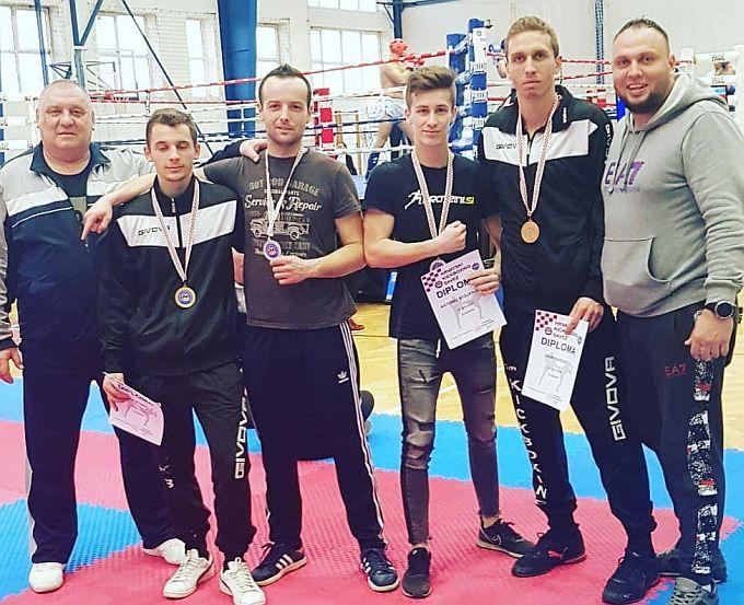 Zlato, dva srebra i bronca za brodske Tigrove na prvenstvu Hrvatske