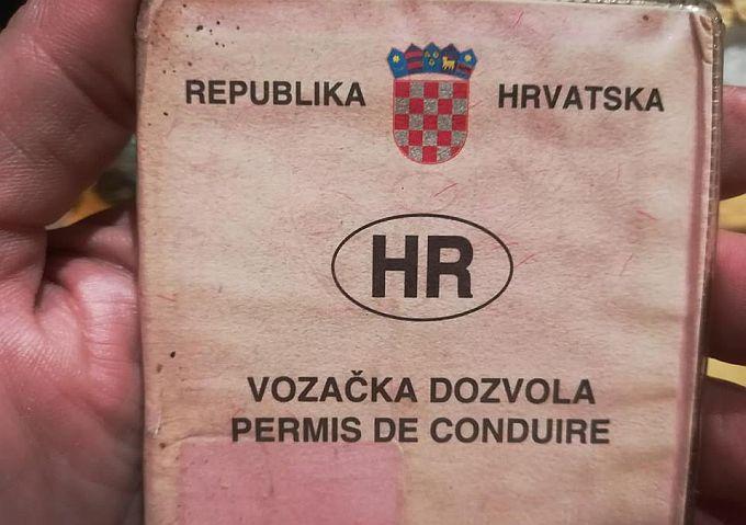 Provjerite vrijedi li vaša izlizana, ružičasta vozačka dozvola