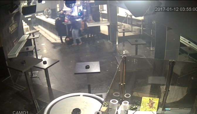 Jutarnji objavio uznemirujuću snimku premlaćivanja brodskog zaštitara Ivana Topalovića u požeškoj diskoteci