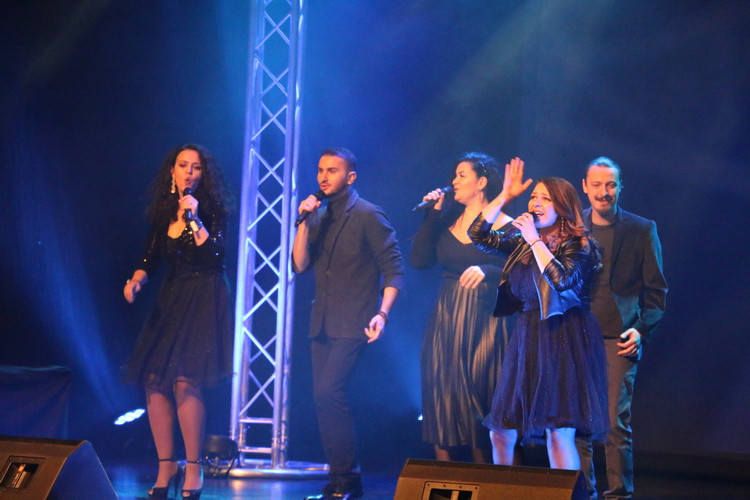 Tri dana Festivala harmonike u Slavonskom Brodu, od  Mjuzikla 80-tih, Broadway-West End do proglašenja najboljih harmonikaša