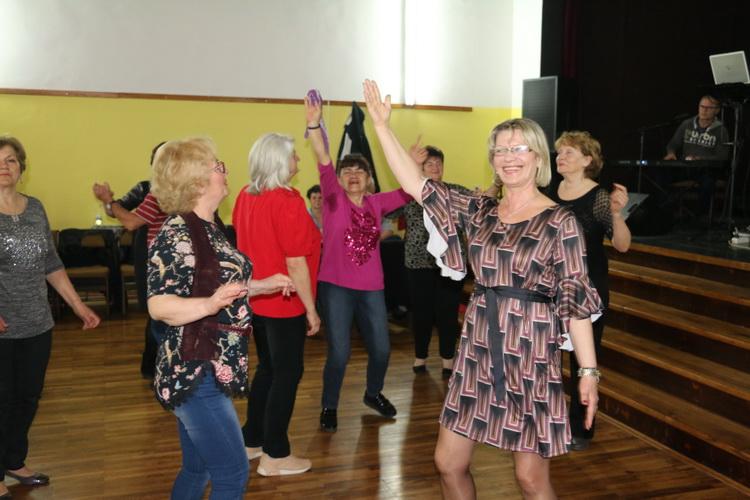 Plesna večer umirovljenika u Radničkom domu uvijek je vesela