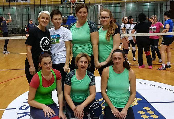 Odigrano je posljednje kolo prije završnice rekreativne odbojkaške lige, najviše bodova za sada imaju Sokolice i Odžak