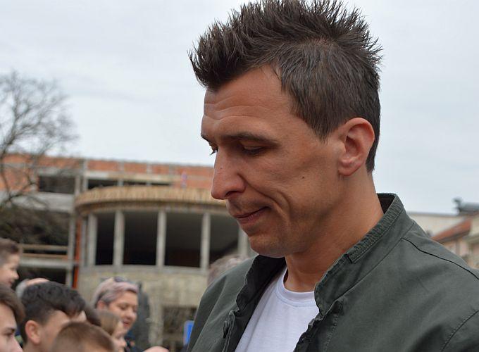 Mandži pao kamen sa srca: hrvatskom napadaču stigla dobra vijest