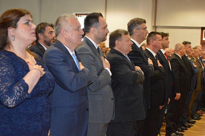 Svečana sjednica Skupštine protekla bez predsjednika Pere Ćosića, župan Marušić predstavio realizirane i projekte koji su u planu